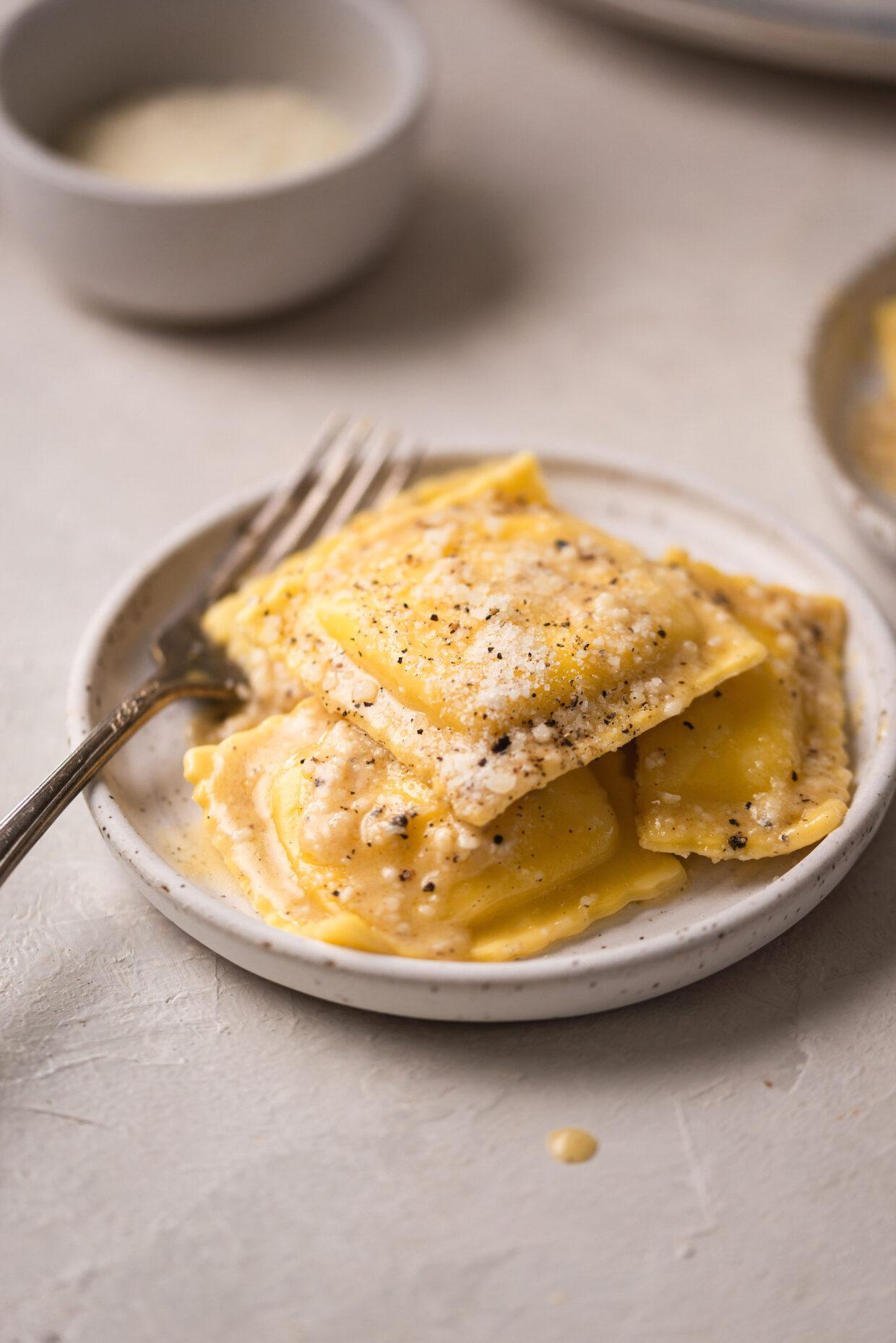 Cacio e Pepe Classic Italian Cheese Ravioli